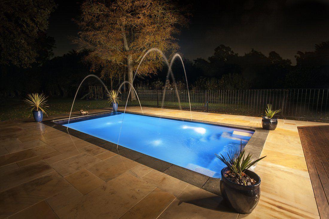 Compass Pool Fun 80 3.70×8.00×1.50m su įrangos komplektu. Bus sandėlyje gegužės mėnesį!